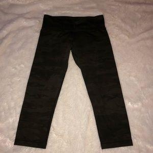 Lululemon camo print Crop leggings